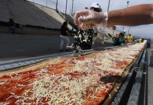 La pizza más larga del mundo